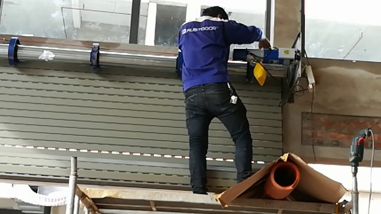 Dịch vụ sửa cửa cuốn tại Chánh Phú Hòa uy tín